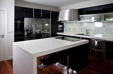 Kitchen with fronts Black Glossy